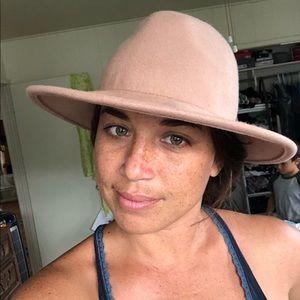 Free People mauve felt hat